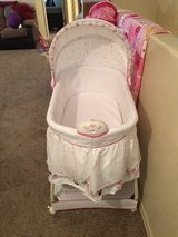 Minnie Mouse Bassinet in Fort Bliss, Texas