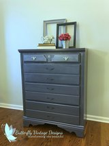 four drawer gray dresser in Bartlett, Illinois