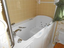 Safe Step Walk-in tub (reduced) in Fort Knox, Kentucky