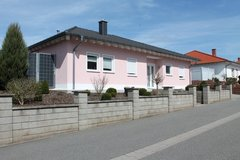 SALE: Beautiful Bungalow with a garage and a swimming pool in Ramstein, Germany