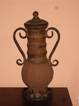 "decorative urn 19""H in Oswego, Illinois"