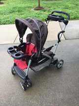 Graco sit/stand stroller in Travis AFB, California
