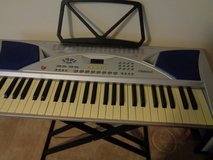 Electronic Keyboard with stand in Houston, Texas