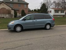 2006 Toyota sienna le in Chicago, Illinois