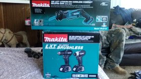 Makita cordless reciprocate saw, and brushless combo kit in Byron, Georgia