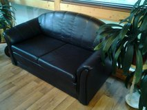 Stylish Leather Couch in Baumholder, GE