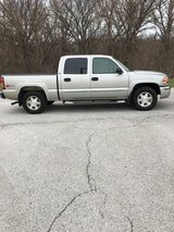 2004 GMC SERRIA TRUCK Z-71 AUTO TRANS. 5.3 MOTOR ORIGINAL OWNER, VERY CLEAN INSIDE AND OUT in Chicago, Illinois