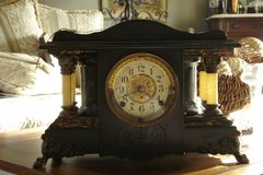 Beautiful Seth Thomas Mantle Clock in Vacaville, California