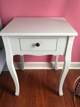 Night stands in Naperville, Illinois