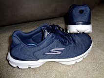 Skechers Go Walk GOGA Plus worn once Navy Blue sz. 7.5 in Camp Lejeune, North Carolina