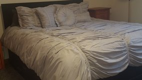 Like New Ruched King Comforter Set in Wiesbaden, GE