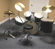 mapex full size drum set in Naperville, Illinois