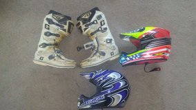 Gaerne sg 12 boots.  2 helmets in Yucca Valley, California