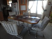DINING TABLE WITH 6 CHAIRS in Alamogordo, New Mexico