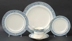 NORITAKE BONE CHINA SET in Camp Lejeune, North Carolina