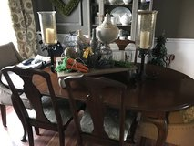 Dining room table w/ 4 side chairs in Naperville, Illinois