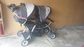 Double stroller in Bolingbrook, Illinois