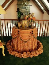 Skirt Table in Lockport, Illinois