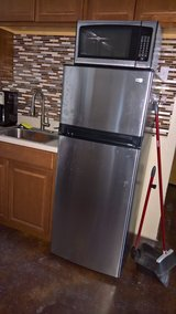 Mid-Size Stainless Refrigerator in Camp Lejeune, North Carolina