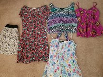 Lot of 5 juniors dress clothes size small in Lockport, Illinois