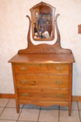 ANTIQUE oak 3 drawer dresser with mirrior in Fort Campbell, Kentucky