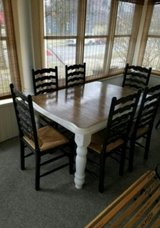 Table and chairs in Aurora, Illinois
