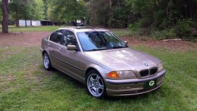 01 BMW 330i in Fort Polk, Louisiana