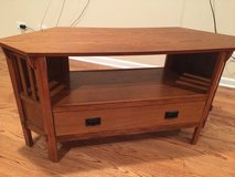 Corner TV stand in Joliet, Illinois