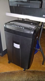 Cross-Cut Paper Shredder in Camp Lejeune, North Carolina