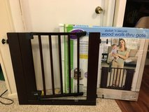 Baby gate in Bolingbrook, Illinois