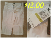 Size 14-White Capri new w/tags in Joliet, Illinois