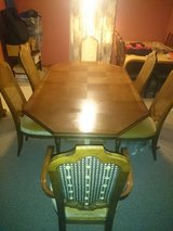 Dining room table and 6 Heritage chairs in Perry, Georgia