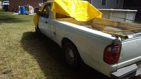 2001 ford ranger v.6 runs great automatic trans.wrecked but drivable no paper work in Warner Robins, Georgia
