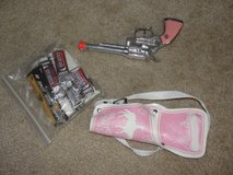 COWGIRLS TOY CAP GUN & HOLSTER FOR GIRLS FROM THE BASS PRO SHOP in Camp Lejeune, North Carolina