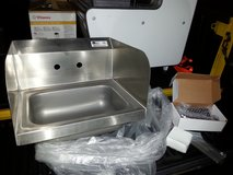 "Commercial Stainless Steel Hand Sink wth Side Splash Guards 17"" x 14"" in Warner Robins, Georgia"