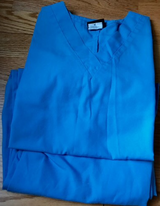 Scrubs lot size medium 3 sets and 3 tops in Perry, Georgia
