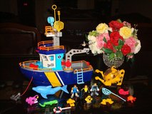 IMAGINEXT OCEAN BOAT WITH TONS OF ACCESSORIES in New Lenox, Illinois