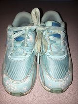 Little Girls Nike Air MAX Gym shoes sz 9 in Glendale Heights, Illinois