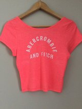 Abercrombie & Fitch short sleeve crop shirt size L in Plainfield, Illinois