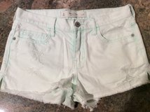 Abercrombie & Fitch  jean shorts size 4w27 in Plainfield, Illinois