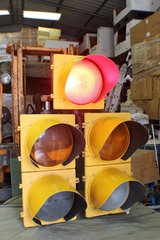 FULL SIZE LED 5 LAMP TRAFFIC LIGHT WITH SEQUENCER in Valdosta, Georgia