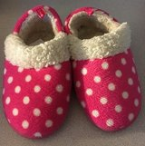 Girls Slippers sz 7-8 in Glendale Heights, Illinois