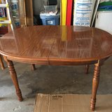 Broyhill Dining Room Table in Glendale Heights, Illinois