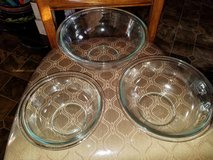 Pyrex / Mid Size / 3 Piece Serving Bowl Set in Fort Campbell, Kentucky