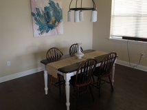 Shabby chic table with four chairs in Saint Petersburg, Florida