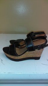 Womens wedge sandal size 8 in Hinesville, Georgia