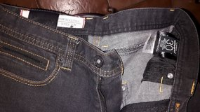 Young men size 30 waist like new pants in Alamogordo, New Mexico