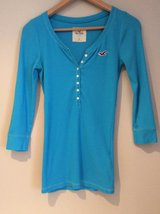 Hollister 3/4 sleeve blue shirt size S in Westmont, Illinois