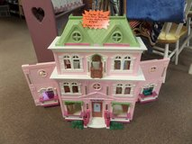 Fischer Price 'Loving family' DOLL HOUSE in Cherry Point, North Carolina