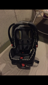 Graco SnugRide 35LX car seat and base plus 2 additional bases in Lockport, Illinois